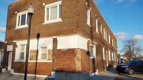 4849 Hickory Ave Apt 2E (2nd Flr)